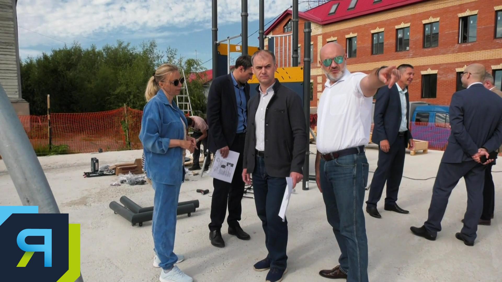 В столице Ямала установят четыре новых детских площадки