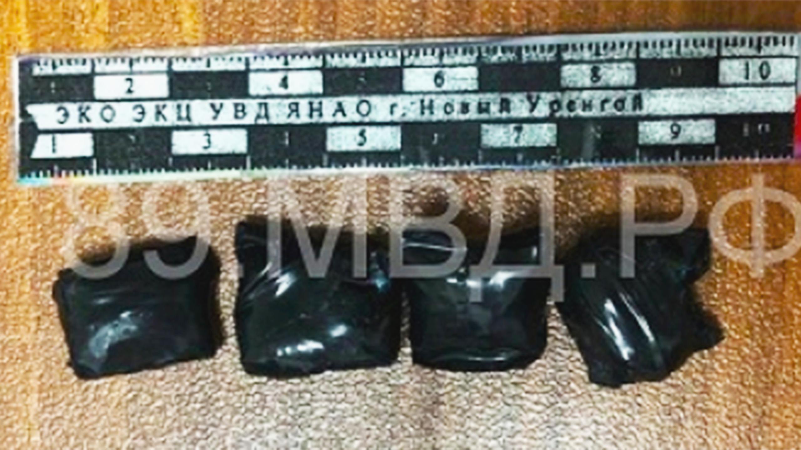В Новом Уренгое задержаны мужчина и женщина с крупной партией синтетического наркотика
