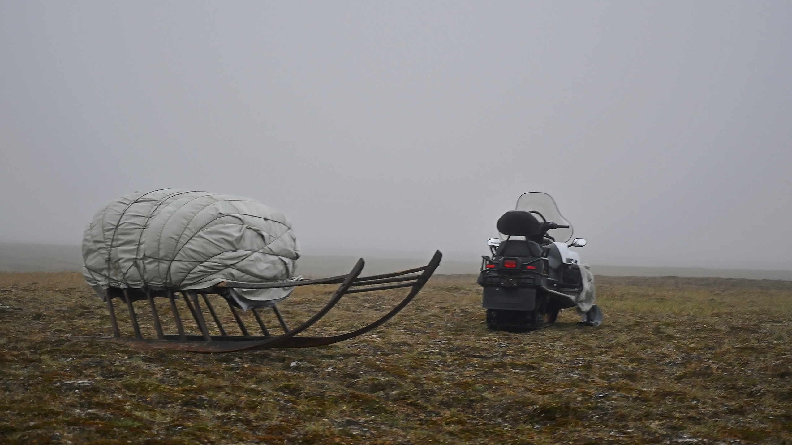 На Ямал завезли все необходимое для быта тундровиков
