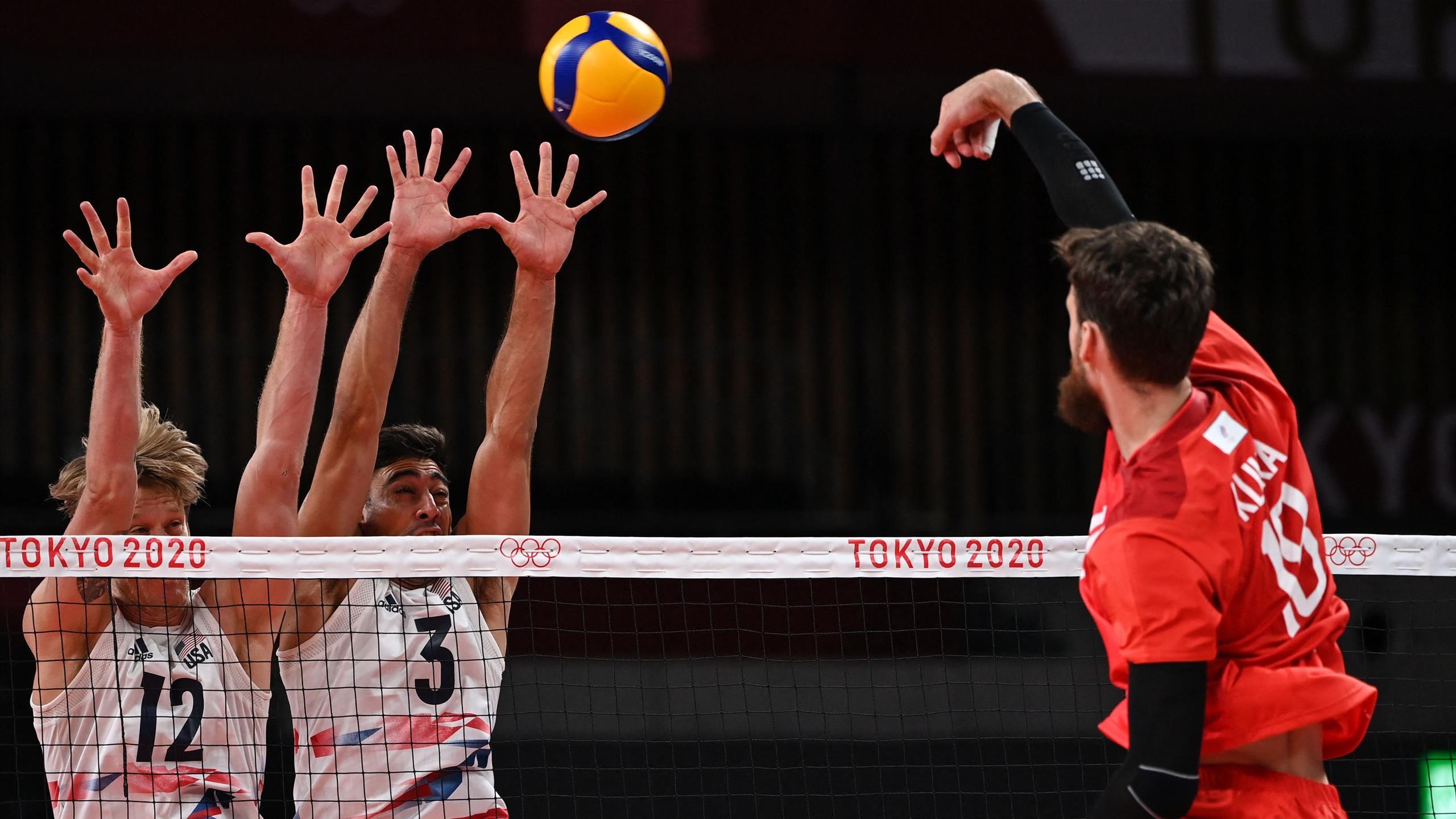 Российские волейболисты одержали победу в первом матче на Олимпиаде